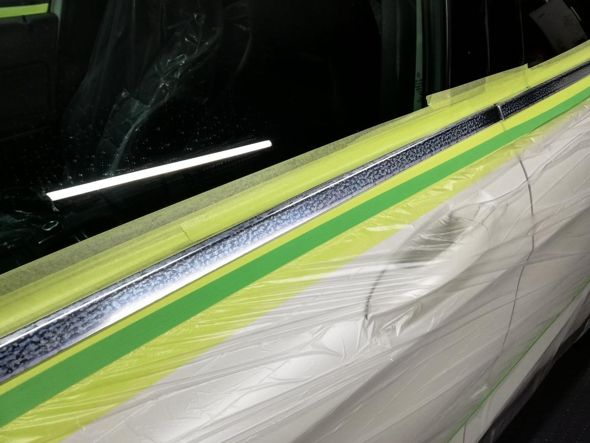 輸入車メルセデス・ベンツ/GLA250 アルミメッキモール腐食磨き+コーティング2