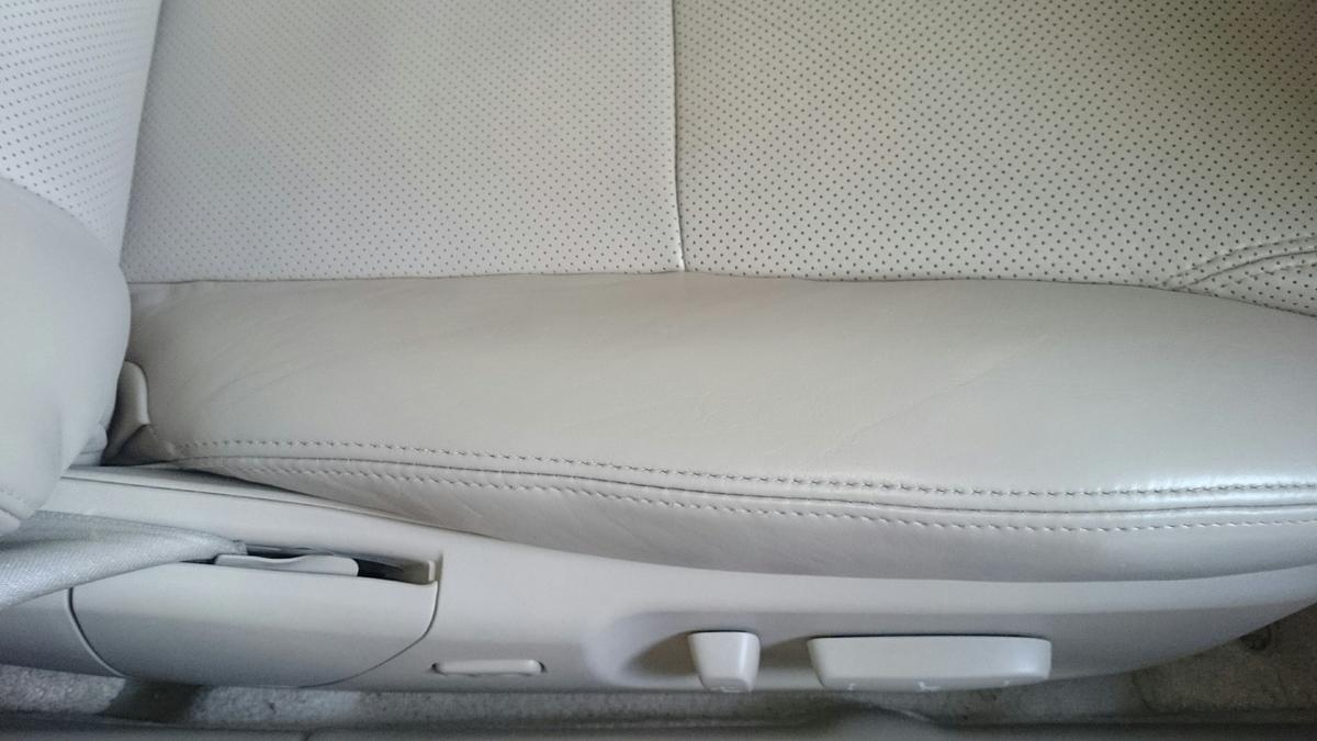 レクサス/GS 運転席革レザーシートの擦れ・ヒビ・色抜けの補修札幌1