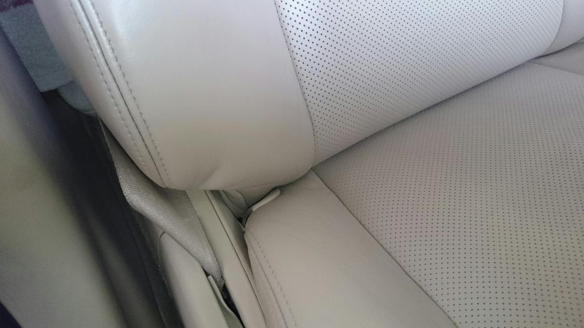 レクサス/GS 運転席革レザーシートの擦れ・ヒビ・色抜けの補修札幌3