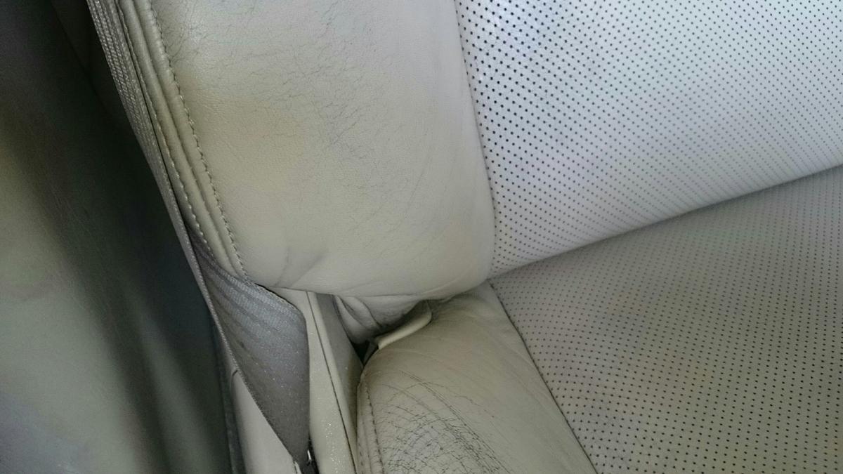 レクサス/GS 運転席革レザーシートの擦れ・ヒビ・色抜けの補修札幌2