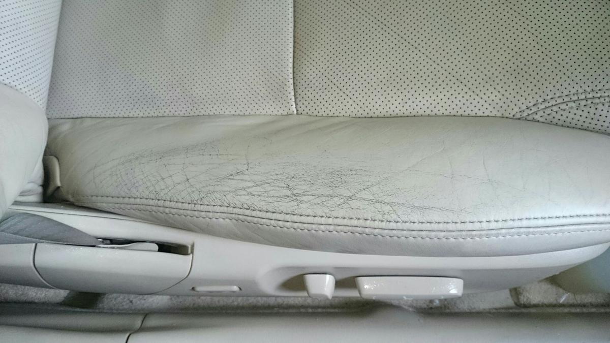 レクサス/GS 運転席レザーシートの擦れ・ヒビ・色抜けの補修札幌
