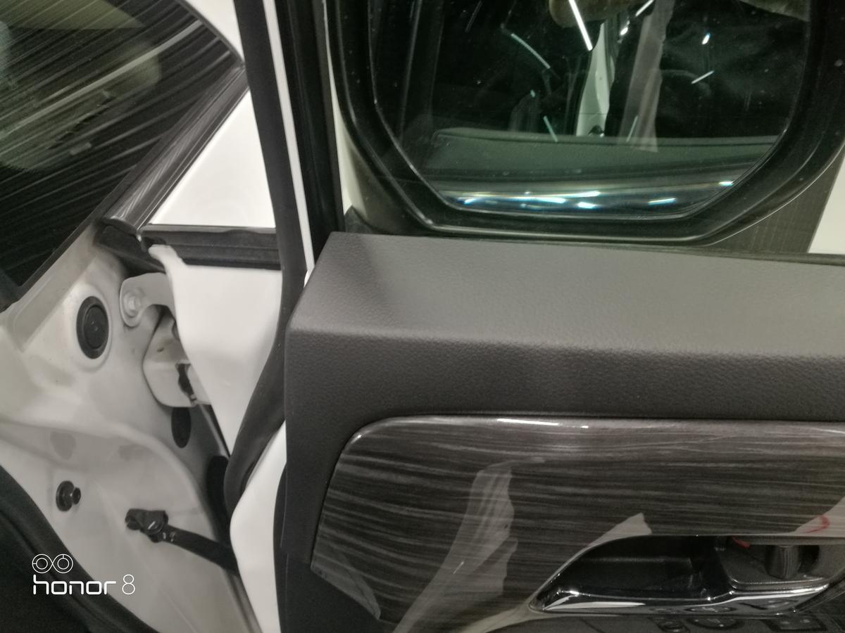 ホンダ/オデッセイ ドアトリムビス穴+ハンドル凹み跡の補修 札幌