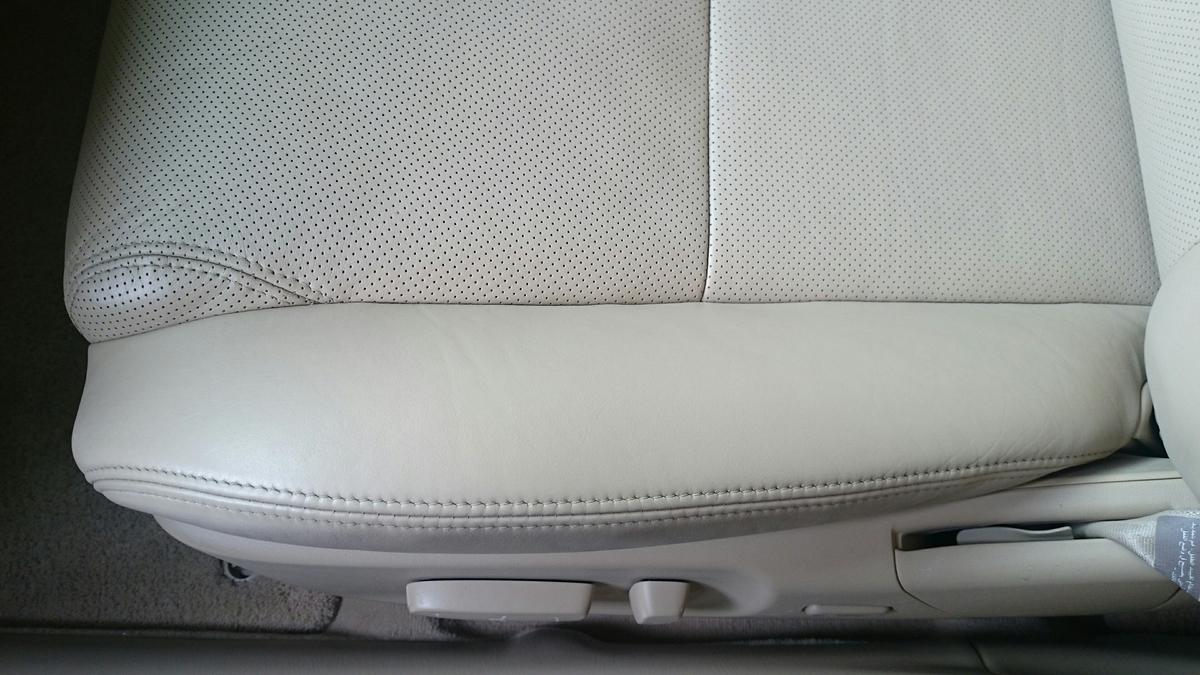 レクサス/GS レザーシート擦れ+ひび割れの補修札幌1