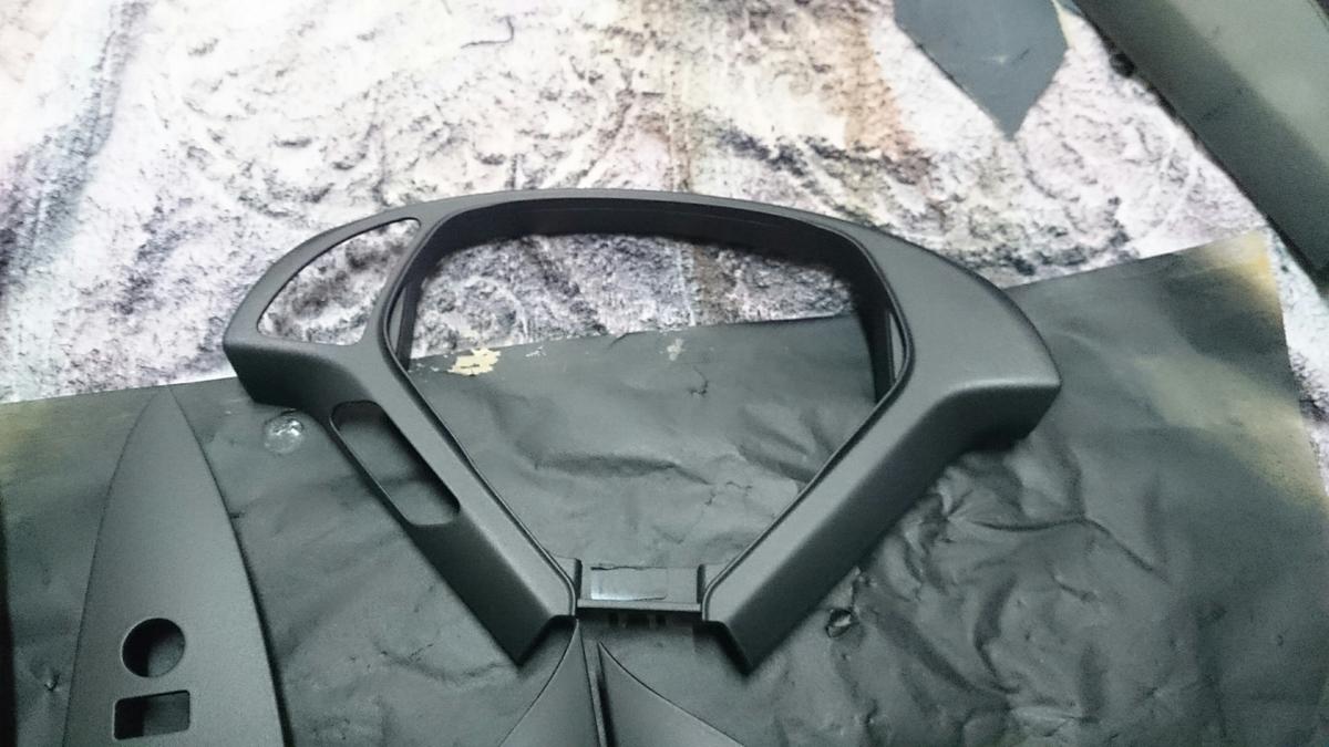 日産/スカイライン 内張り・ステアリングのスイッチパネル塗装剥がれの補修札幌3