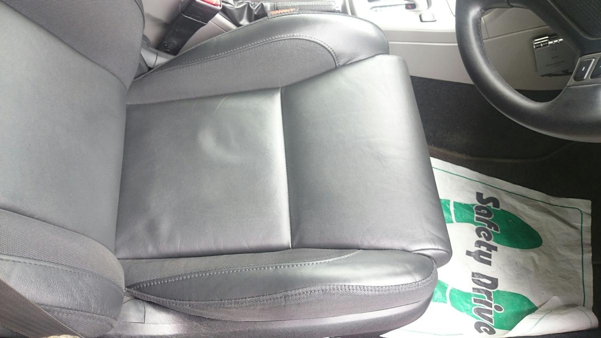 スバル/フォレスター  レザーシートのひび割れ+色抜け補修5