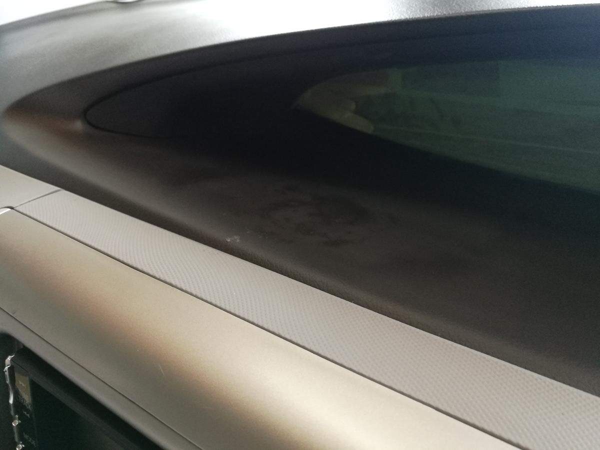 トヨタ/エスティマ ダッシュボード変色+ひっかき傷の補修 札幌