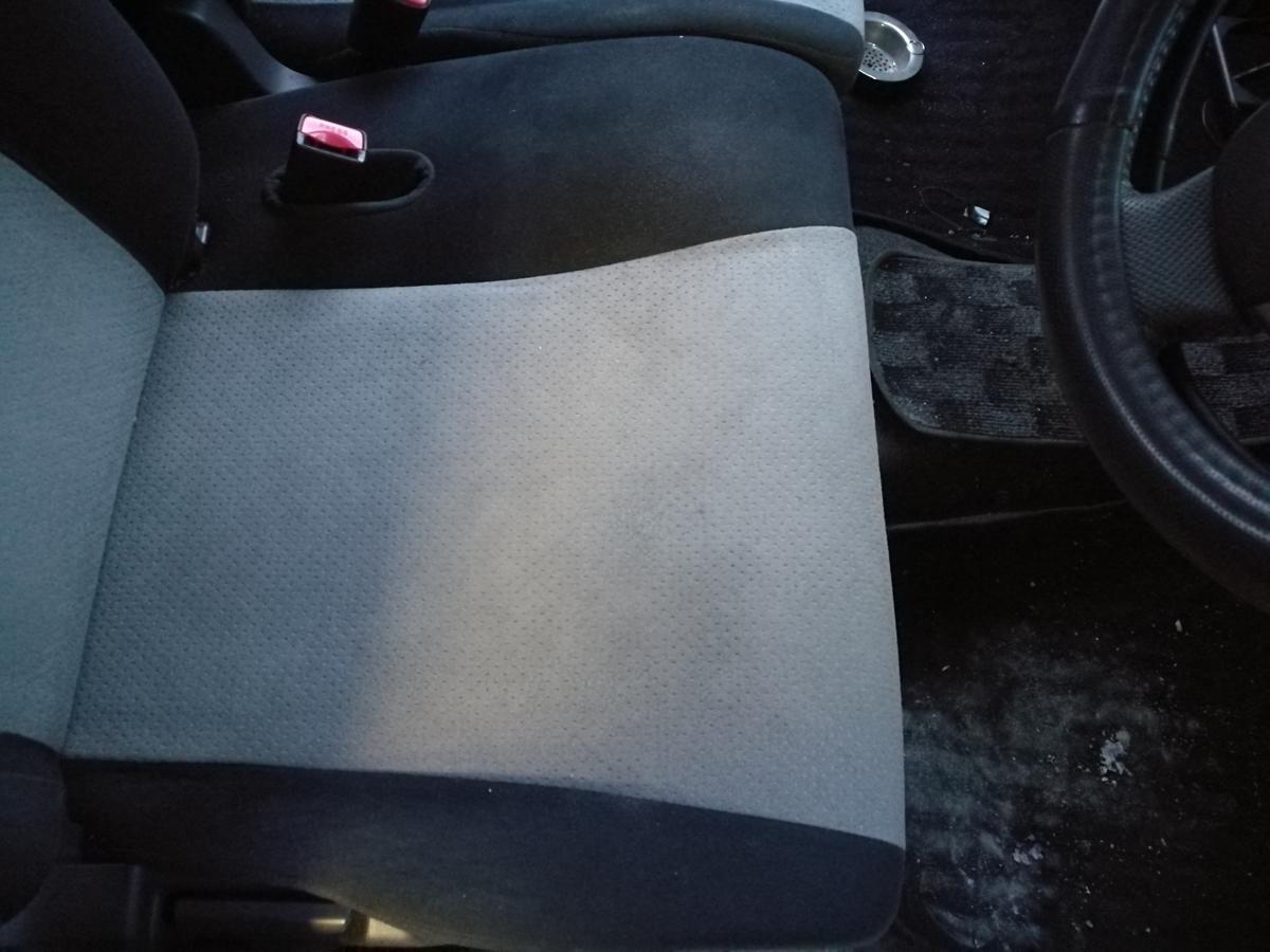 スズキ/ワゴンR シートのタバコ焦げ穴補修 札幌