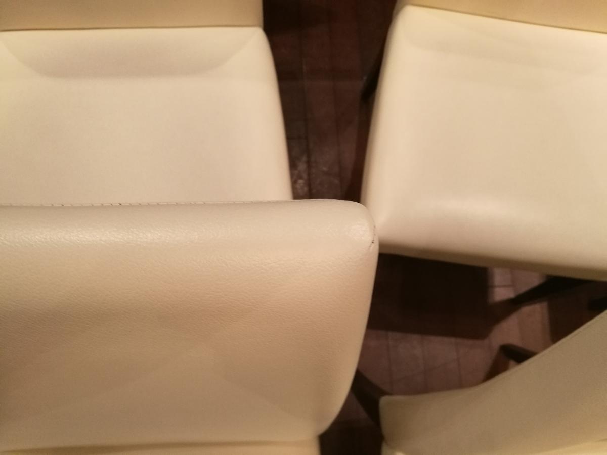レストランの椅子 クリーニング+破れ箇所の補修 札幌