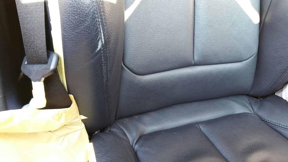 BMW/320i レザーシートの擦れ+色抜け補修札幌
