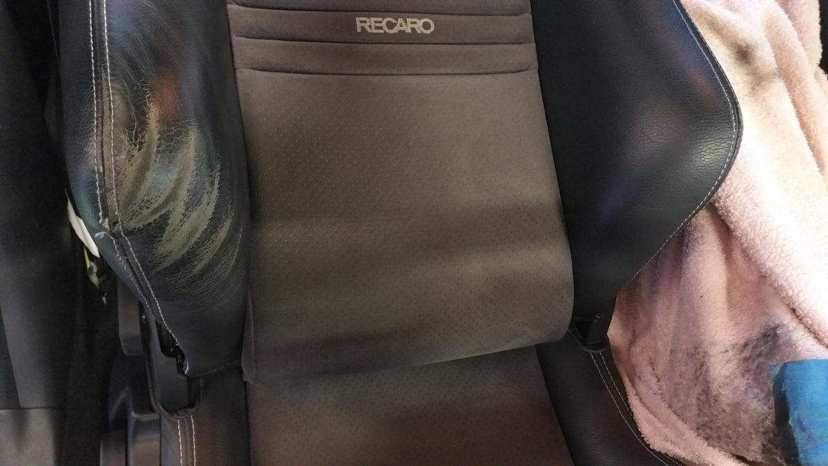 スバル/インプレッサ レカロシートの擦れ補修札幌
