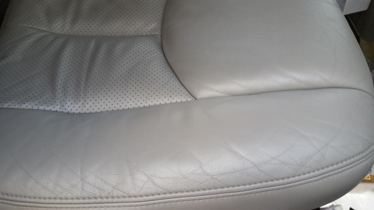 キャデラック/エスカレード コンソールボックス・ダッシュボード・レザーシート傷・剥がれの補修 札幌