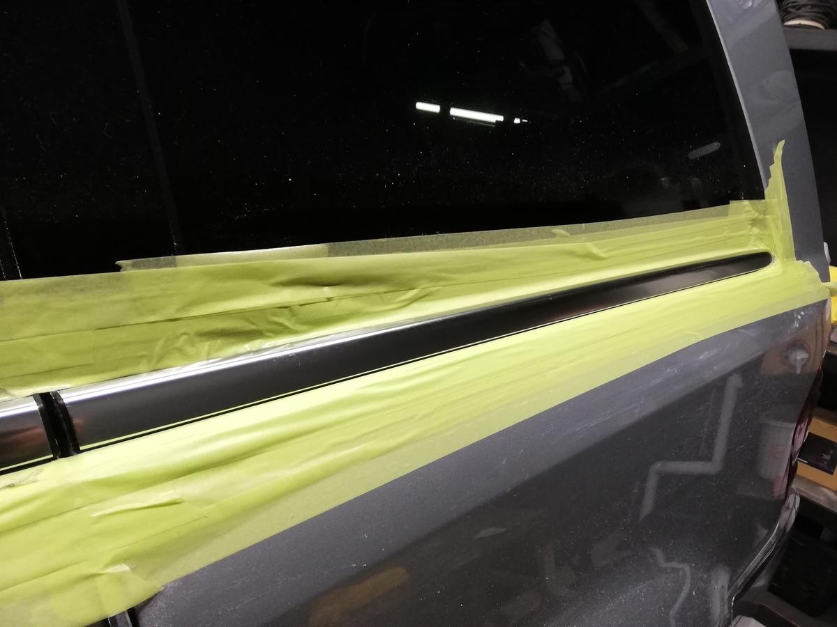 メルセデス・ベンツ/GL550 欧州車アルミメッキモール腐食磨き+コーティング 札幌1