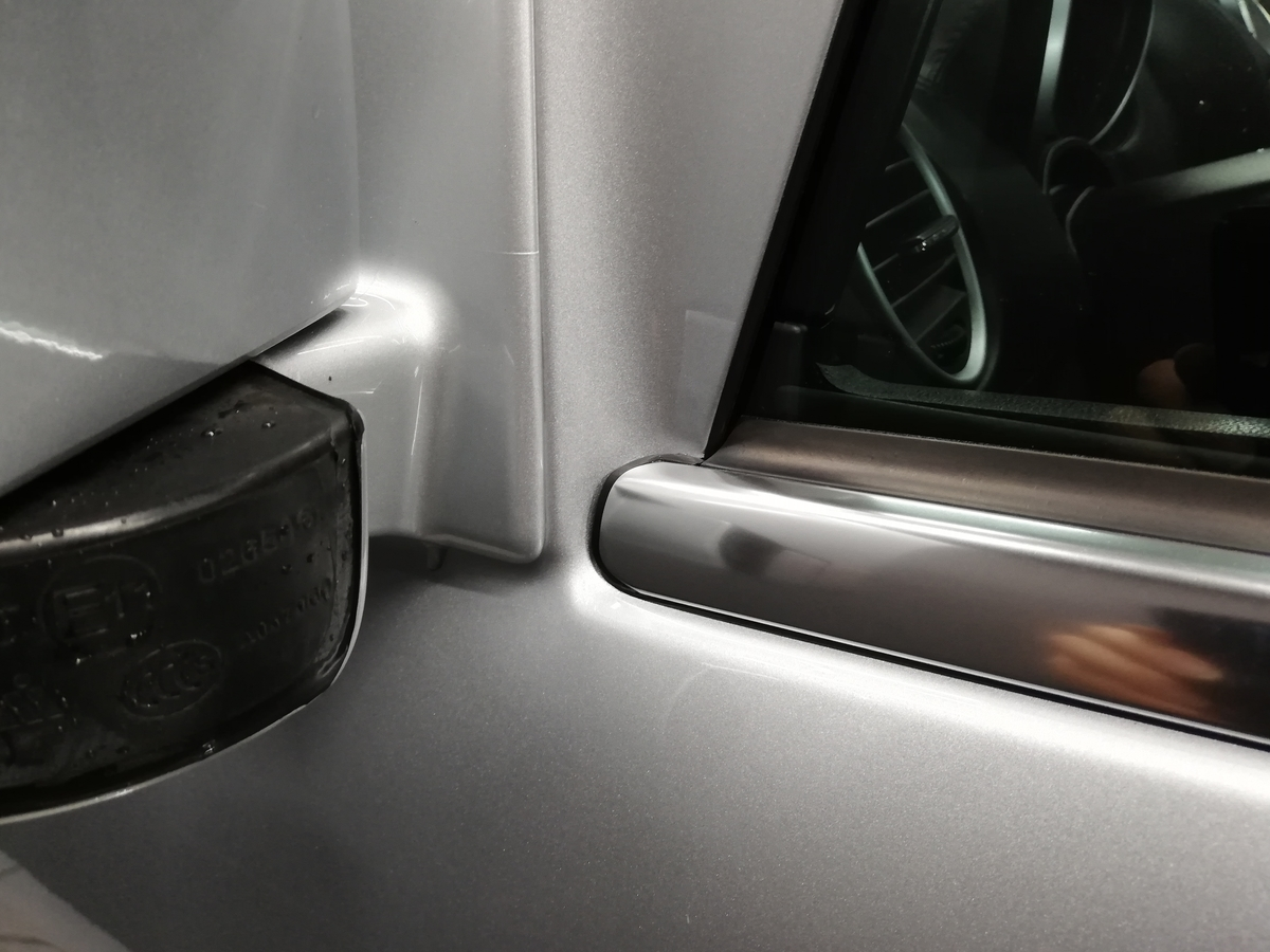 メルセデス・ベンツ/GL550 欧州車アルミメッキモール腐食磨き+コーティング 札幌8