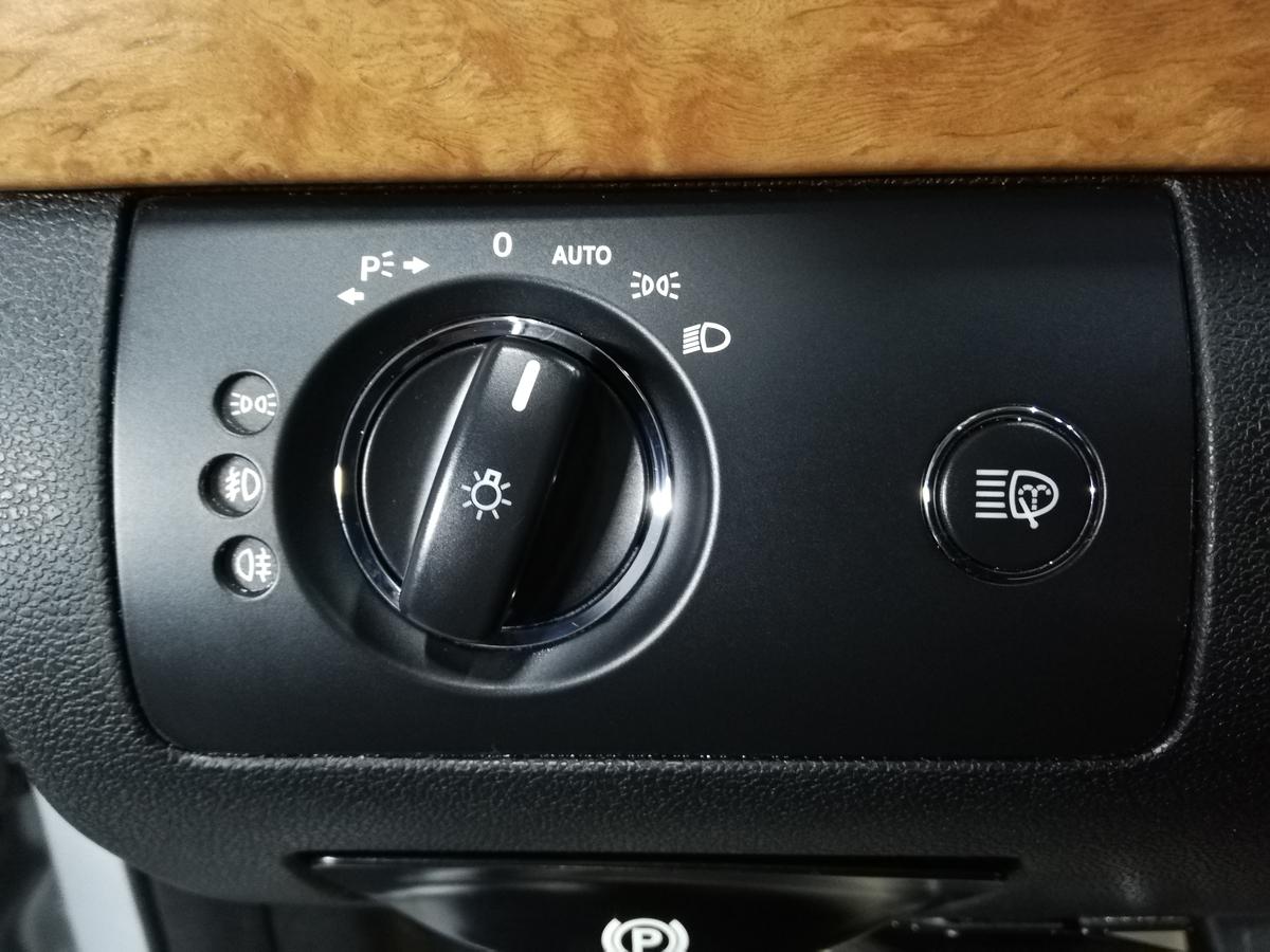 メルセデス・ベンツ/GL550 ステアリング ハンドル擦れ+スイッチパネルのベタ付きクリーニング 札幌3