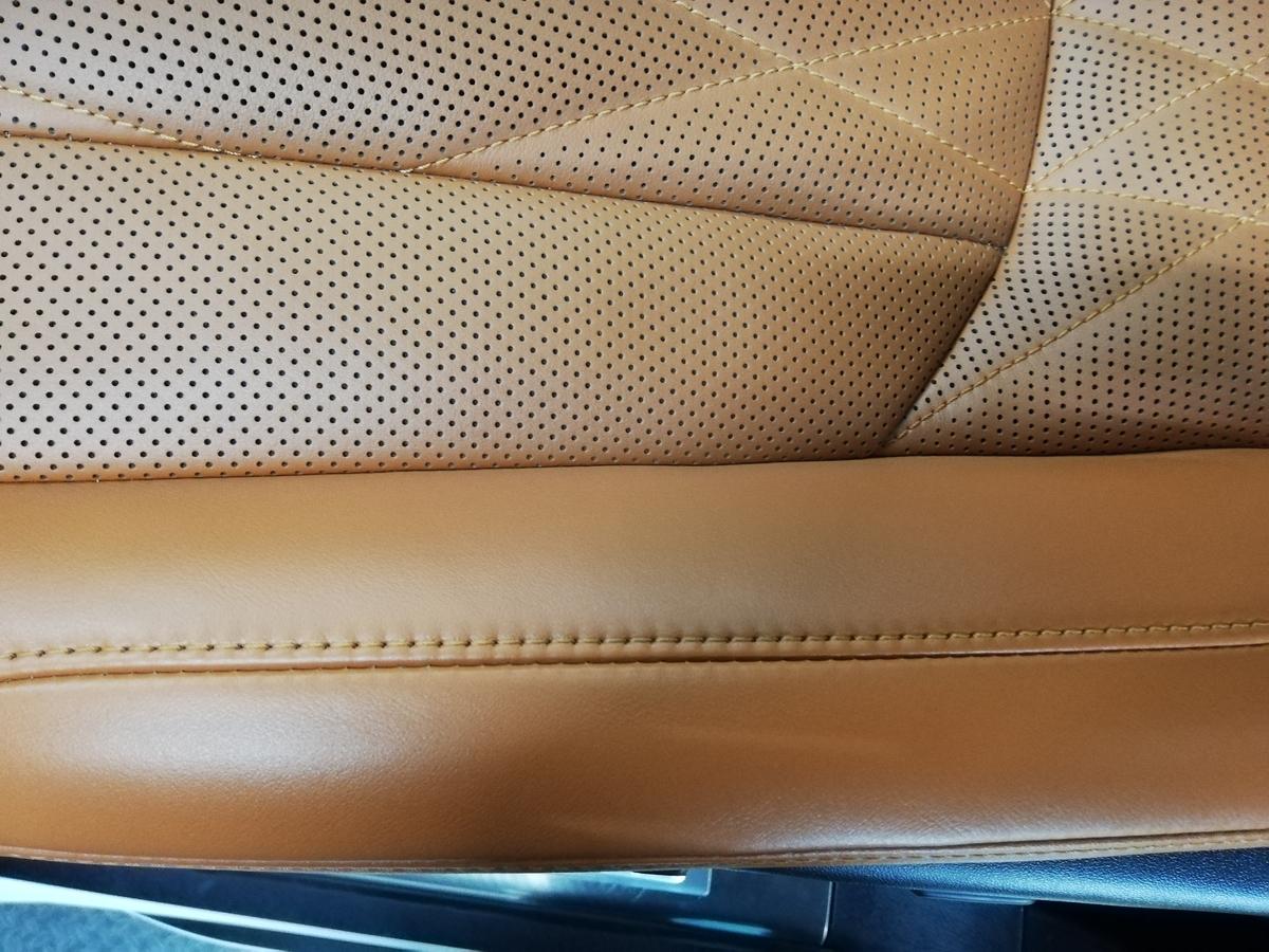 レクサス/LX570 本革シート ボールペンひっかき線傷の補修 札幌3