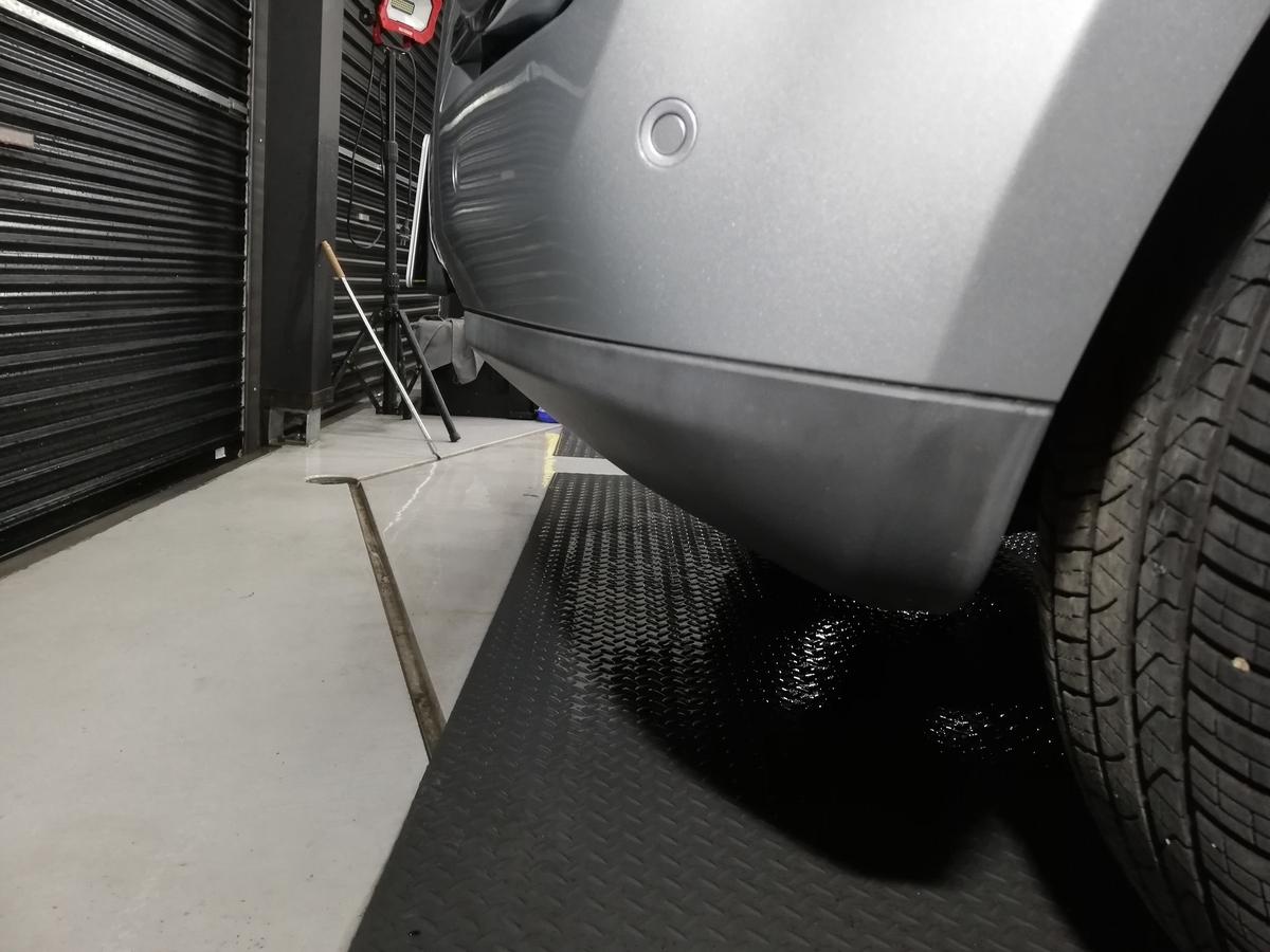 メルセデス・ベンツ/GL550 X164 ボディ研磨+樹脂硬化型コーティング【Ω/OMEGA】+ヘッドライト・ホイール・未塗装樹脂パーツコーティング札幌樹脂パーツ白ボケ