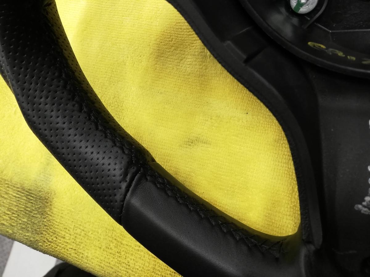 アルファロメオ/159 Q4 3.2JTS 革パンチングハンドル/ステアリングの擦れ補修+ステッチカラーリング札幌1