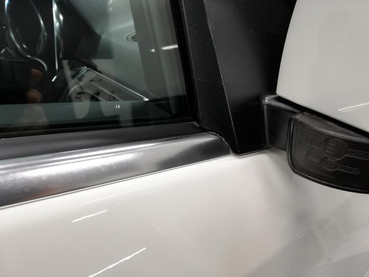 メルセデス・ベンツ/ML350 BlueTECH W166 ボディ研磨+樹脂硬化型コーティング【Ω/OMEGA】+ウィンドウウロコ取り・アルミモール・未塗装樹脂パーツ各コーティング札幌7