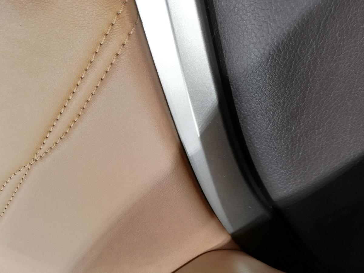 CPOレクサス認定中古車/RX450hl ドアトリム/内張り破れ傷補修札幌3