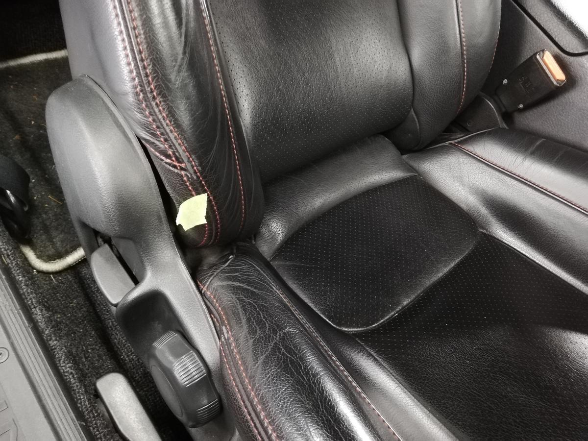 日産/GT-R BNR32 ダッシュボード表皮浮き剥がれ・センターコンソール傷+革シート擦れ+ドア内張傷の補修札幌4