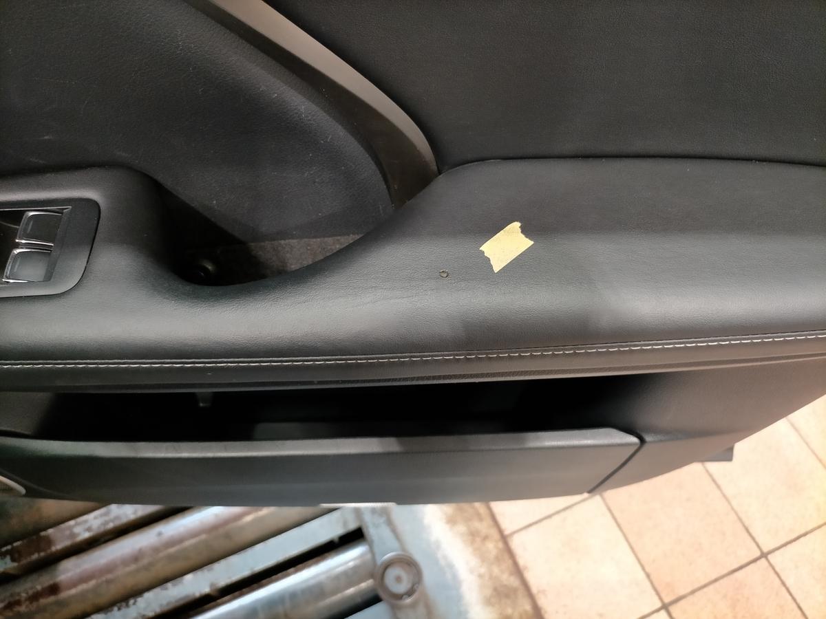 レクサスCPO認定中古車/RX200t ドアトリム/内張り破れ傷+タバコ焦げ穴補修札幌2