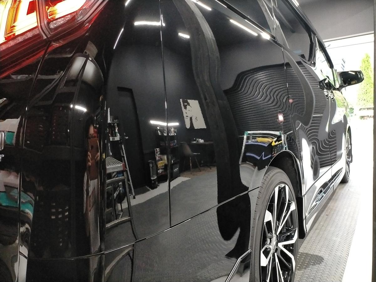 トヨタ/ヴェルファイア 30系 ボディ研磨+樹脂硬化型コーティング【Ω/OMEGA】+ 本革レザークリーニング・保湿トリートメント札幌3