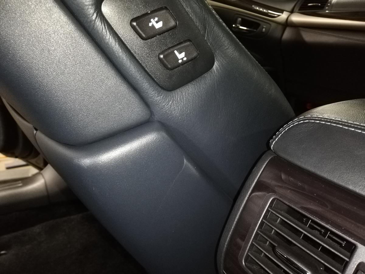 レクサス/LS600h 革/レザーシート背面破れ・裂けの補修札幌1
