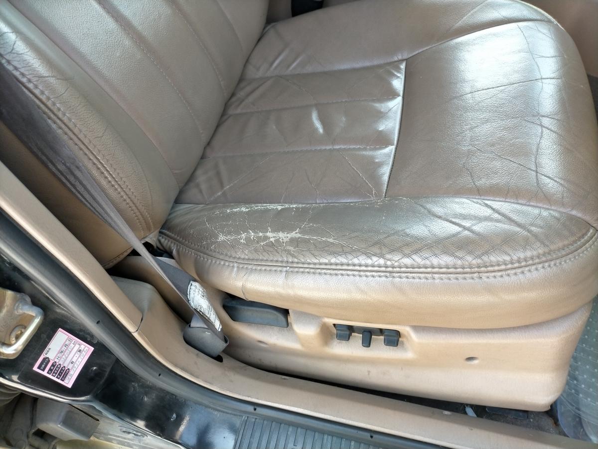 クライスラー・ジープ/チェロキーXJ GF-7MX 革レザーシート劣化・破れ・裂け・擦れ・ひび割れの補修札幌北広島