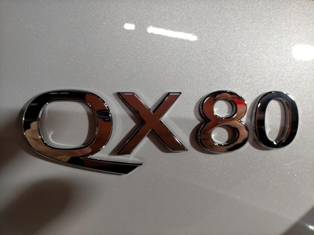 インフィニティ/QX80 2021´ ボディ磨き+樹脂硬化型コーティング【Ω/OMEGA】+ホイール・ヘッドライト・ウィンドウウロコ取り・メッキパーツ・未塗装樹脂パーツ各コーティング札幌北広島3