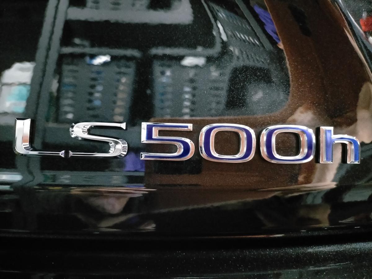 レクサス/ LS500h ボディ磨き+樹脂硬化型コーティング【Ω/OMEGA】札幌北広島5
