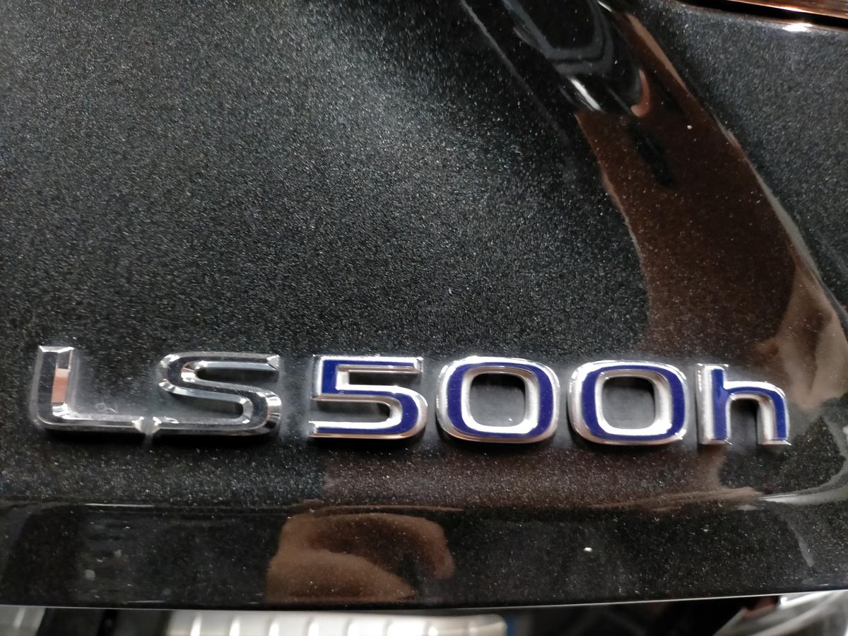レクサス/ LS500h ボディ磨き+樹脂硬化型コーティング【Ω/OMEGA】札幌北広島3