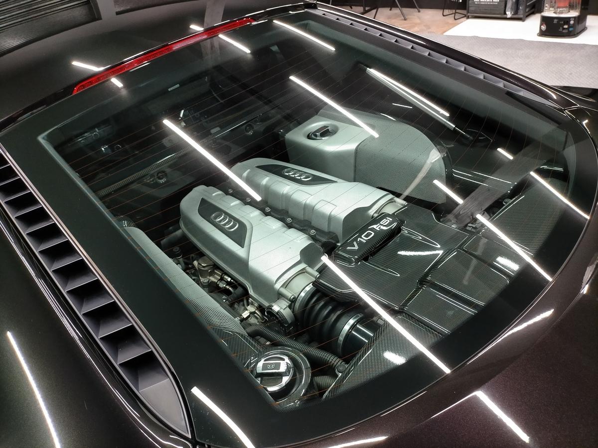アウディ/ R8 V10 5.2FSI Quattroボディ磨き+樹脂硬化型コーティング【Ω/OMEGA】札幌北広島5