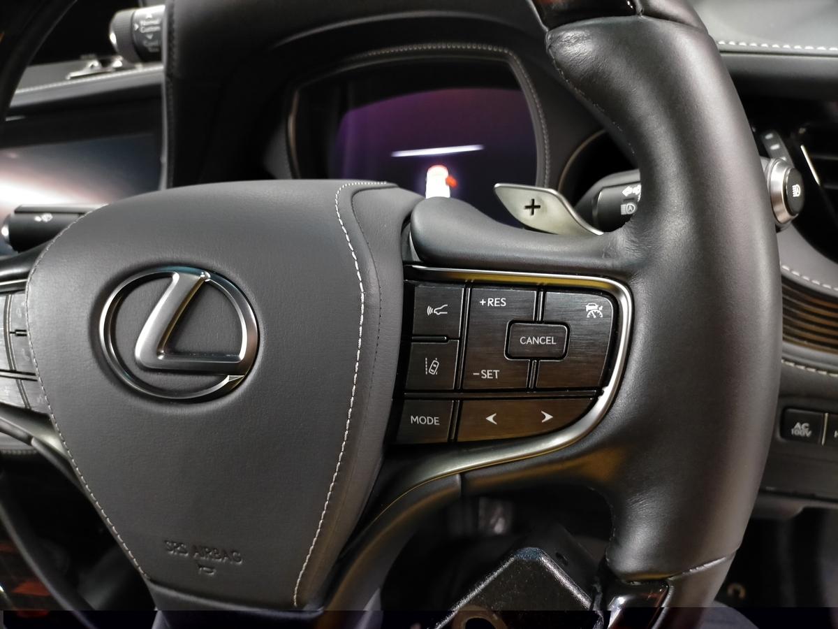 レクサス/LS500h 革ハンドル/ステアリング劣化・擦れ・表皮剥がれ補修札幌北広島3