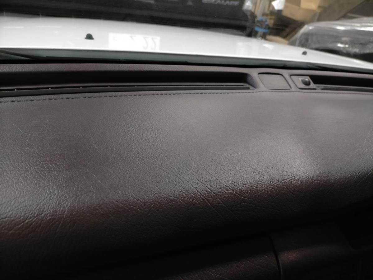 マツダ/ルーチェV6リミテッド ダッシュボード劣化・ひび割れ・破れ+接着剤跡補修札幌北広島1