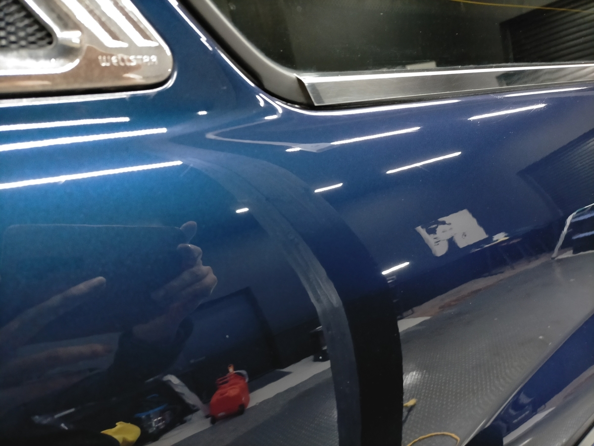トヨタ/ ランドクルーザー シグナス ボディ磨き+フッ素樹脂結合系簡易コーティング【F/FLAM】札幌北広島9