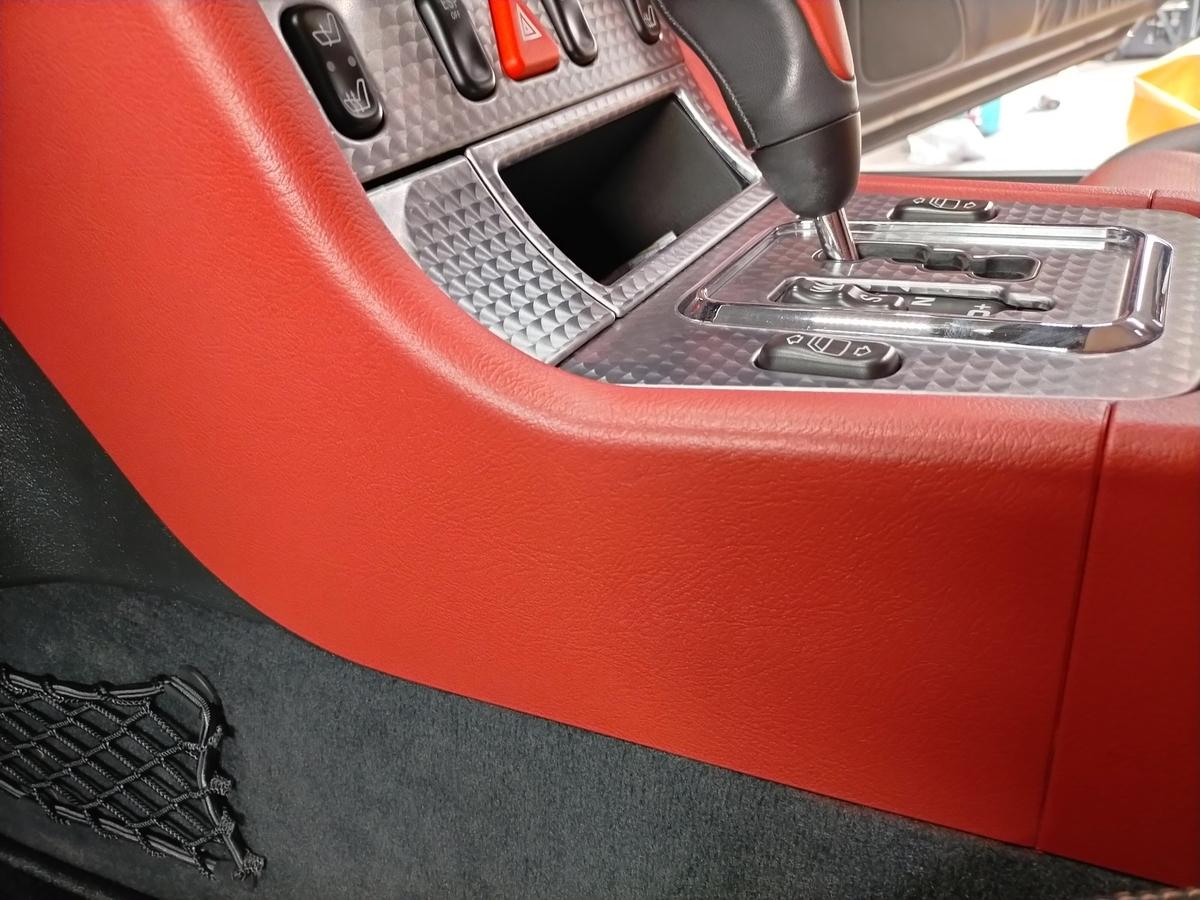 メルセデス・ベンツ/SLK230 ダッシュ+内張り+センターコンソール 擦り傷・塗装剥がれ補修札幌清田5