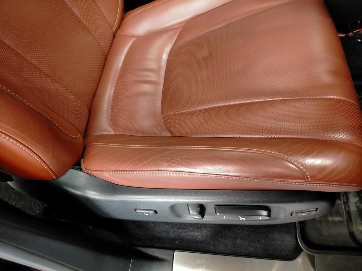 レクサス/LX570 本革レザーシート擦れ+劣化ひび割れ補修札幌清田