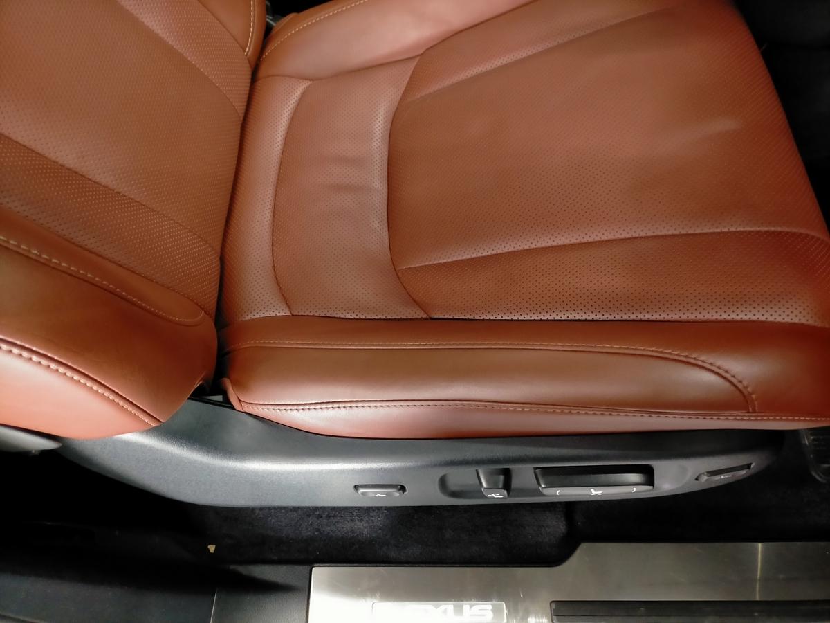 レクサス/LX570 本革レザーシート擦れ+劣化ひび割れ補修札幌清田1