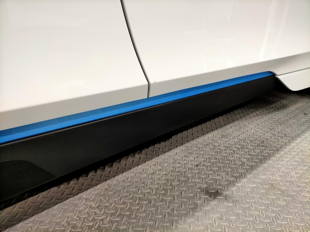 BMW/i3 ボディ磨き+樹脂硬化型コーティング【Ω/OMEGA】+ウィンドウガラスウロコ取り撥水加工+ホイールコーティング+未塗装樹脂パーツコーティング+革レザークリーニング・保湿トリートメント札幌清田7