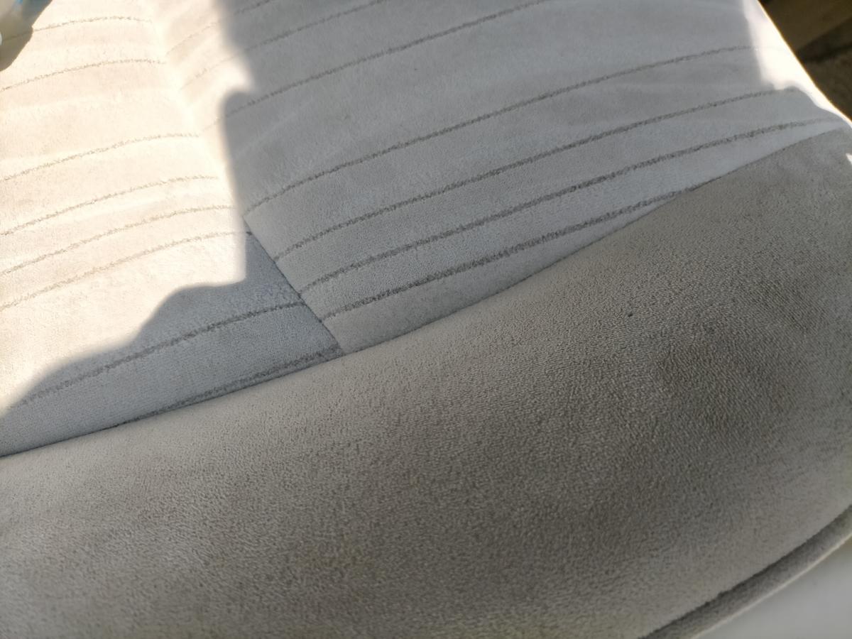 日産/フーガ 布地モケットシート タバコ焦げ穴跡の補修札幌北広島恵庭江別1