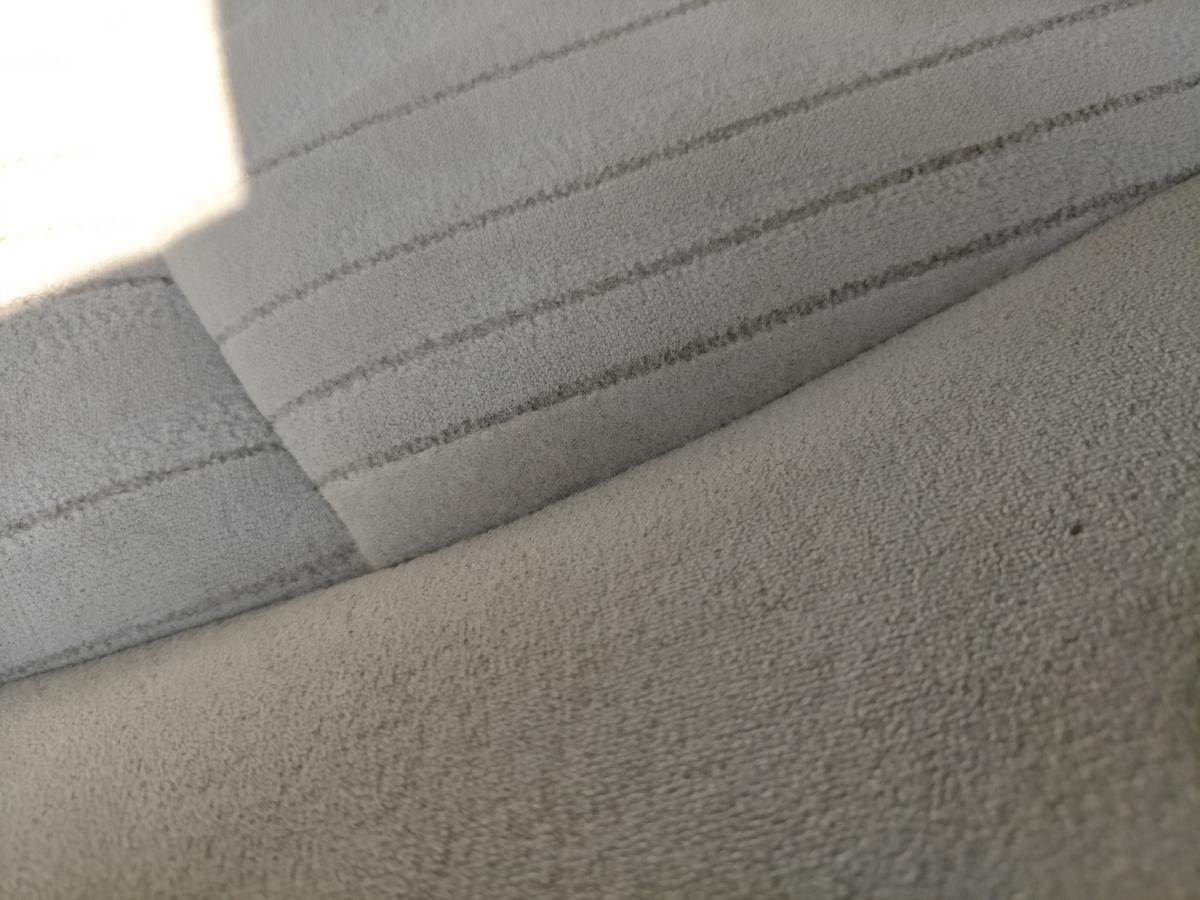 日産/フーガ 布地モケットシート タバコ焦げ穴跡の補修札幌北広島恵庭江別2