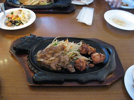 ビーフソテー&若鶏の唐揚げランチ