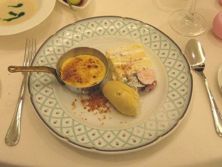 フルーツのグラタン&ピスタチオのアイス&ケーキ