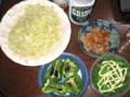 [肴]キャベツの千切り、鶏皮、焼きピーマン、茹で絹さや