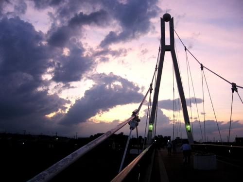 夕暮れふれあい橋