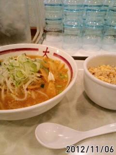 味噌ラーメン+鶏そぼろ丼