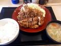 [かつや]チキンカツと唐揚のあい盛り定食