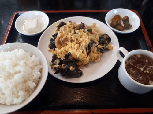 キクラゲと卵の炒め物定食