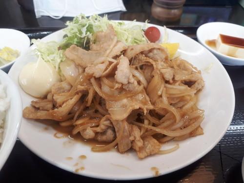 豚肉の生姜炒め定食