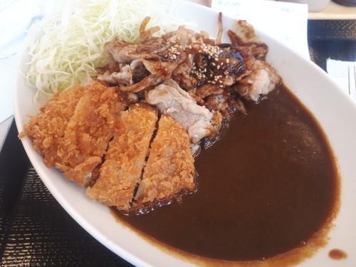 チキンカツのせ牛生姜焼きカレー